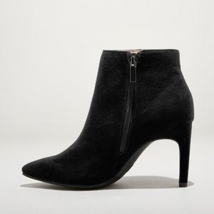 Microsuede Pointed Toe Stiletto Black Booties. 8 W